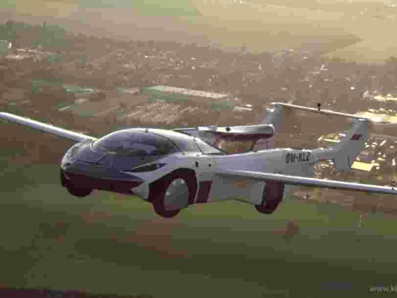 Une voiture volante réalise un premier vol historique entre deux villes