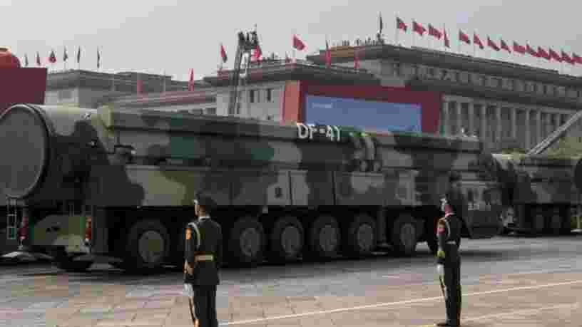 La Chine construirait 100 nouveaux silos pour ses missiles nucléaires, selon des images satellites
