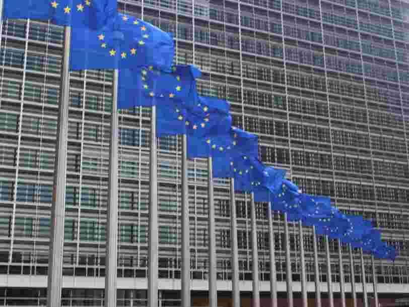 L'Union européenne se plie aux exigences des États-Unis et suspend son projet de taxe numérique