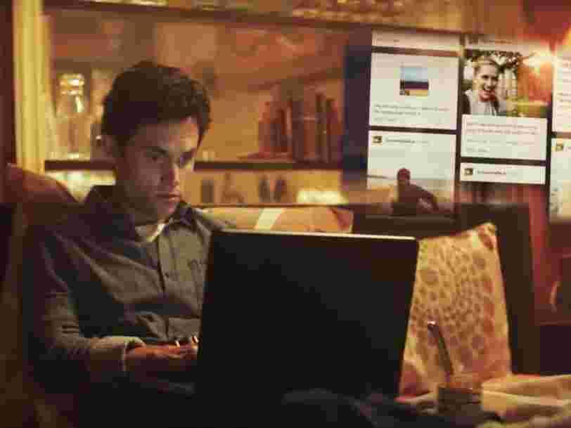 'Stalking' : pourquoi aime-t-on autant espionner les autres sur les réseaux sociaux ?
