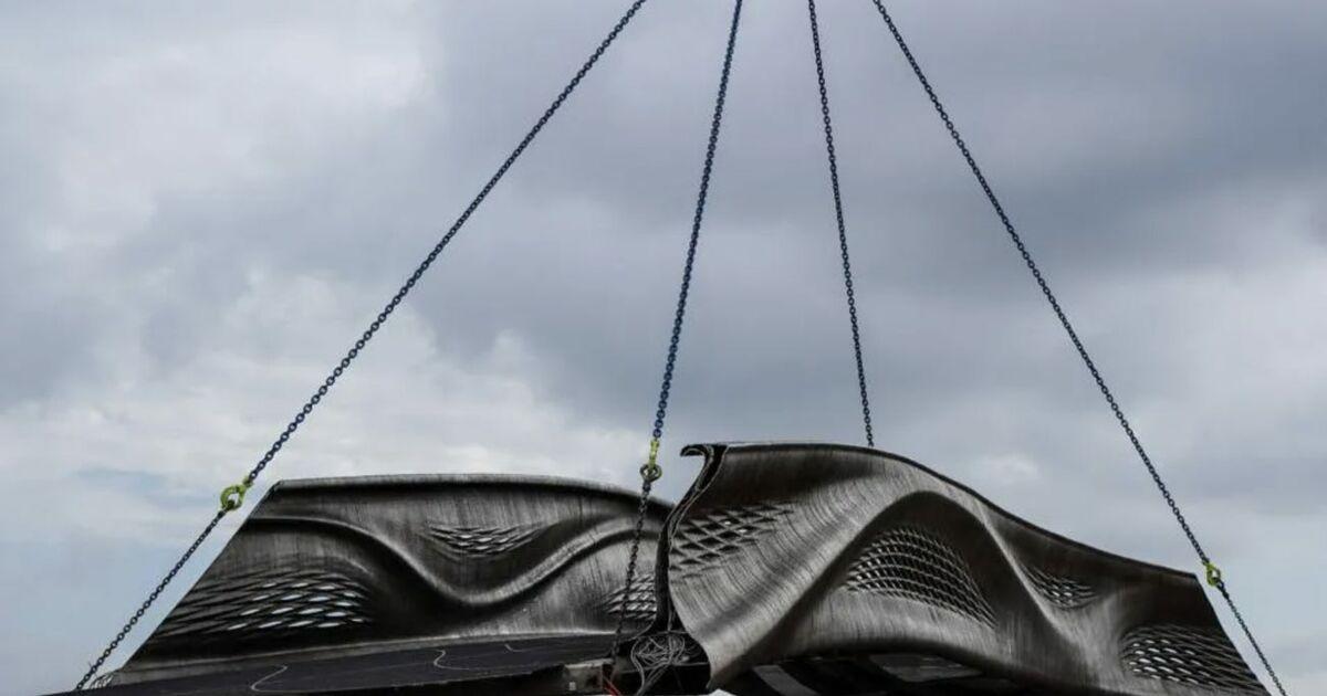 Le premier pont en acier imprimé en 3D au monde a été inauguré à Amsterdam