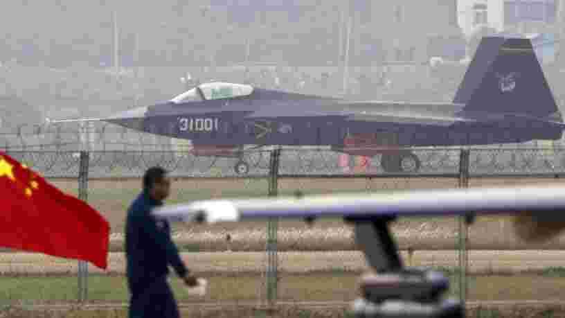 Le premier chasseur furtif chinois pour porte-avions voit le jour, mais un problème pèse encore sur lui
