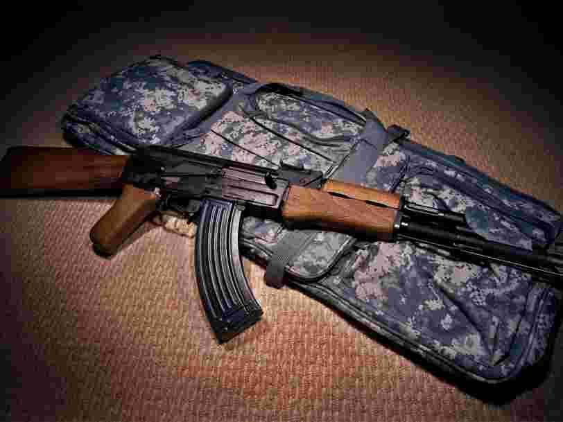 Ce qu'il faut savoir sur la Kalachnikov, l'arme la plus répandue dans le monde