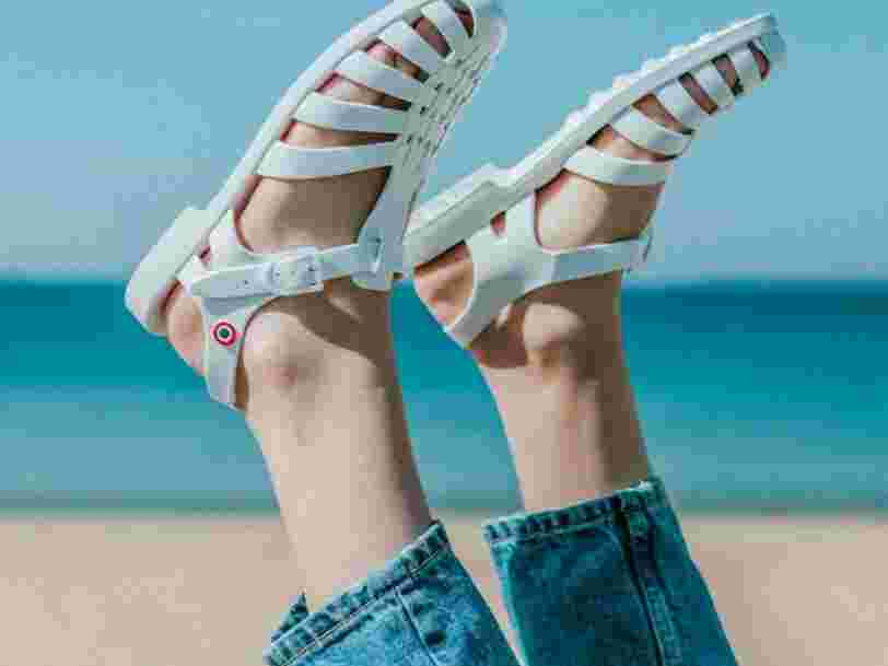 Ces 6 choses à savoir sur Méduse, des sandales de plage aux bottes de pluie