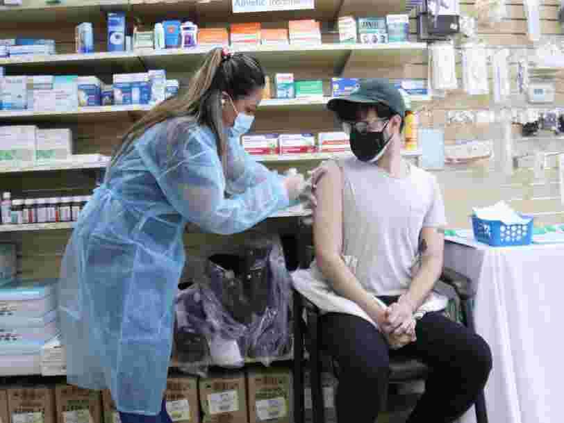 Les États-Unis atteignent l'objectif de vaccination fixé par Joe Biden avec un mois de retard