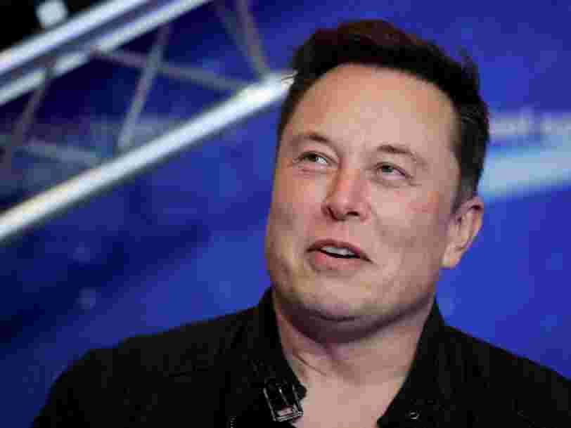Elon Musk propose d'aider la NASA à fabriquer des combinaisons spatiales moins chères