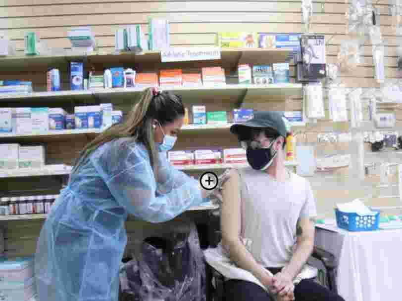 Covid-19: l'efficacité des vaccins diminue avec le temps, selon les autorités américaines