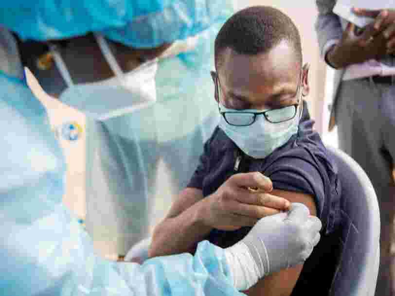 La lenteur de la vaccination contre le Covid-19 pourrait entraîner 2 300 Mds$ de pertes