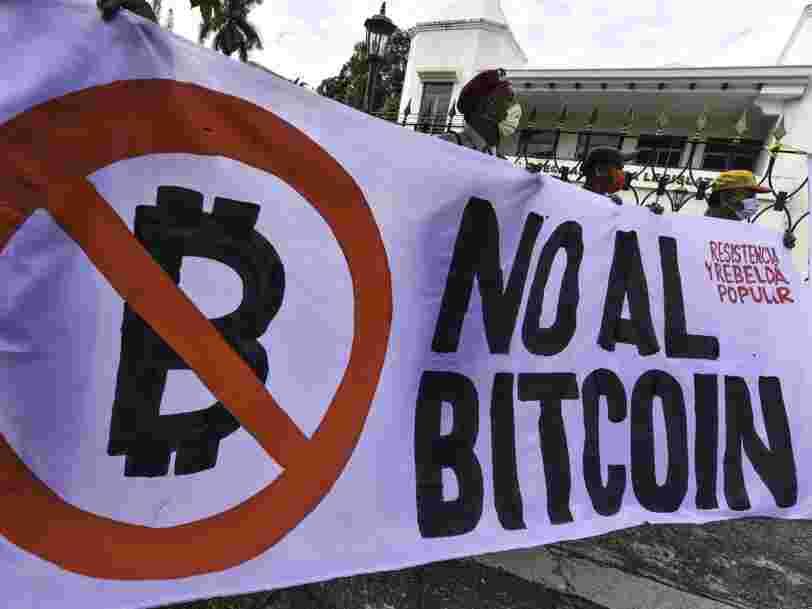Au Salvador, les opposants au bitcoin manifestent avant son adoption comme monnaie légale