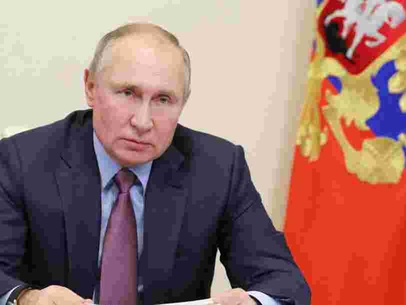 Comment Vladimir Poutine veut faire plier Facebook, Twitter et Google en Russie