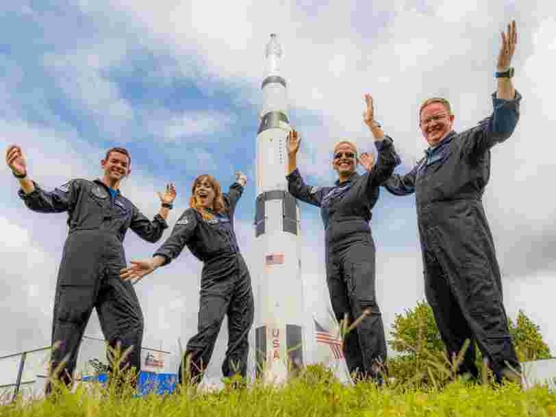 Comment le premier touriste spatial de SpaceX a choisi ceux qui vont l'accompagner à bord de la fusée