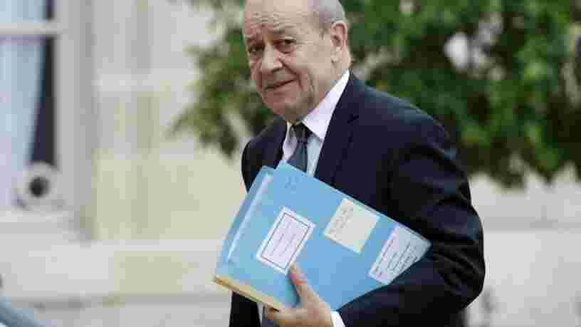 Jean-Yves Le Drian dénonce 'un coup dans le dos' après la rupture du 'contrat du siècle' avec l'Australie
