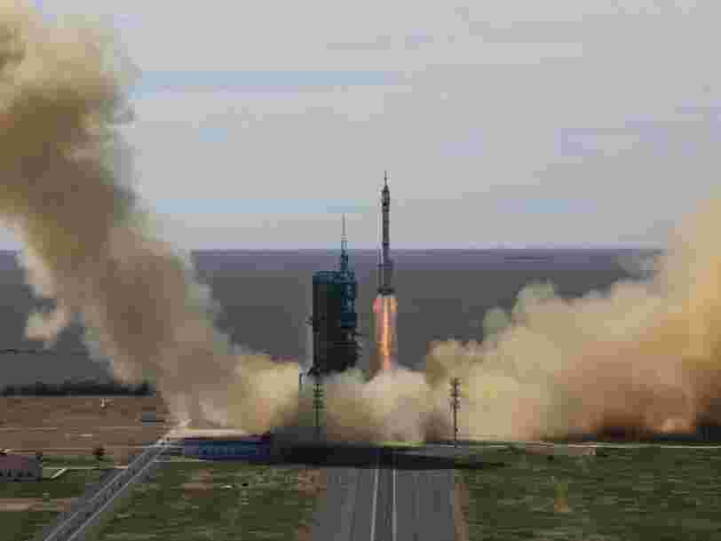 Après 90 jours en orbite, les astronautes chinois entament leur retour sur Terre
