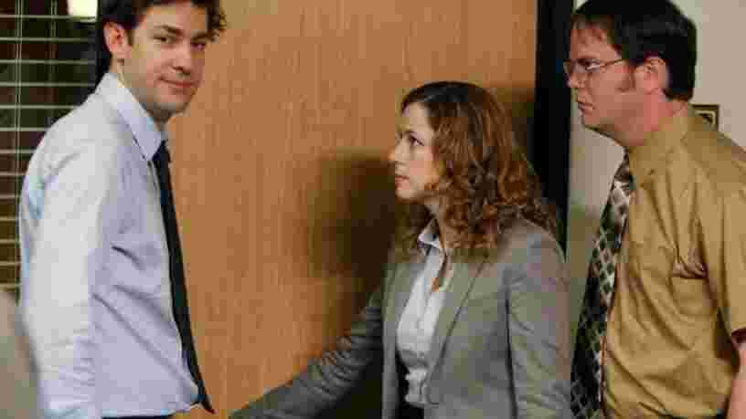 Les équipes performantes au travail racontent des ragots et disent des gros mots
