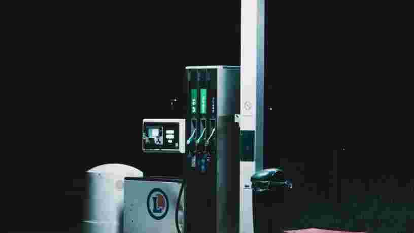 Leclerc, Casino et Carrefour proposent de l'essence à prix coûtant ou des bons d'achat