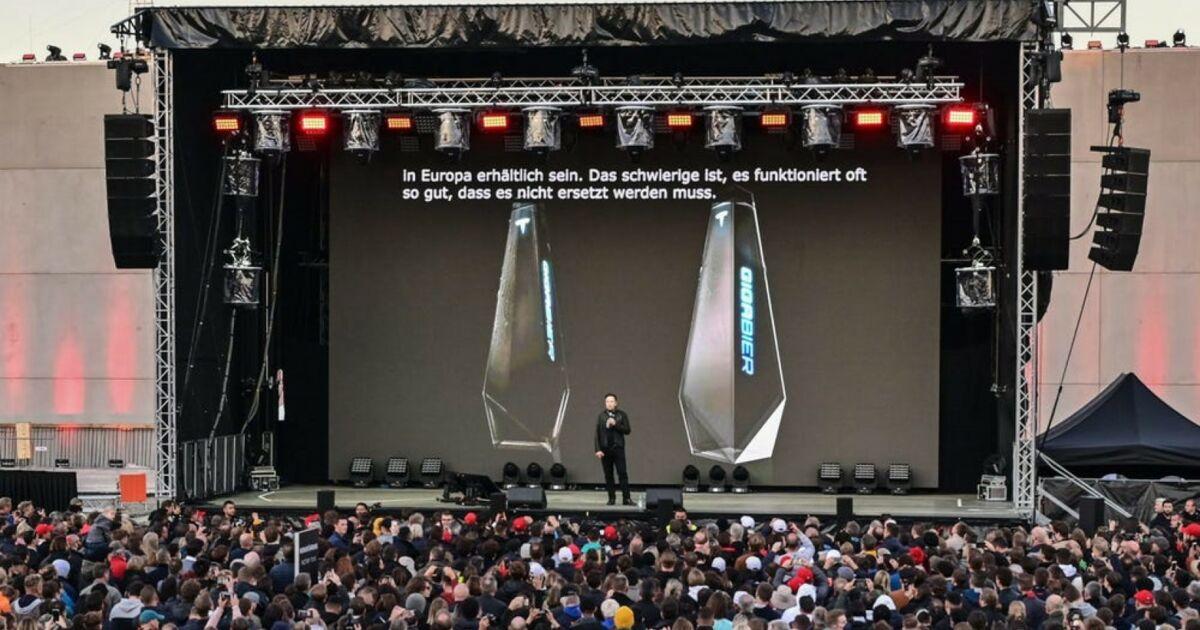 """Elon Musk va vendre de la """"Giga Bière"""" dans une bouteille insolite"""