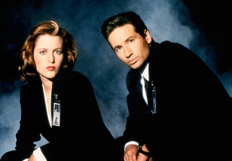 Quelle raison se cache derrière l'enlèvement de Dana Scully dans la saison 2?