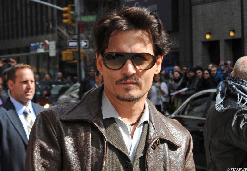 Johnny Depp aurait pu vous harceler au téléphone. Il aurait cherché à…