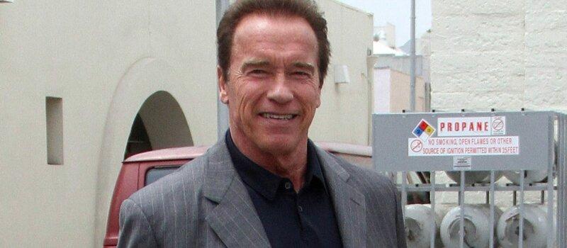 Comment se nomme l'autobiographie d'Arnold Schwarzenegger?