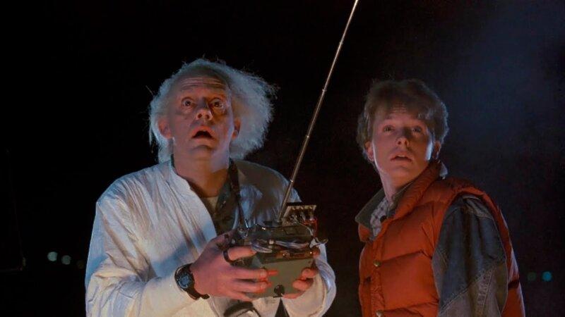 Quelle est la date exacte à laquelle le Doc envoie Marty dans le passé ?