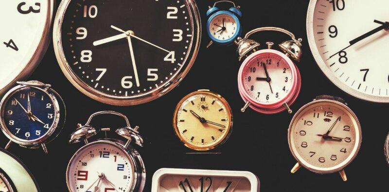 """Une demi(e)-heure, une heure et demi(e) : comment accorder """"demi"""" ?"""