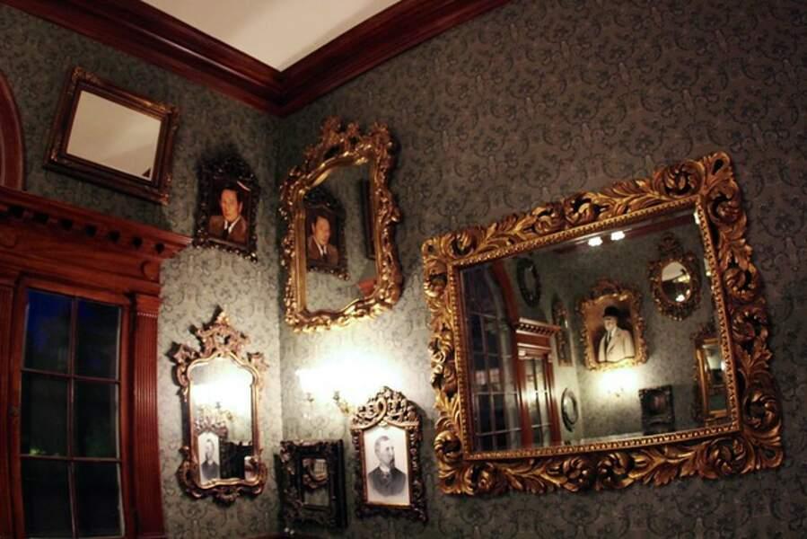 Portraits sur les murs du Stanley Hotel