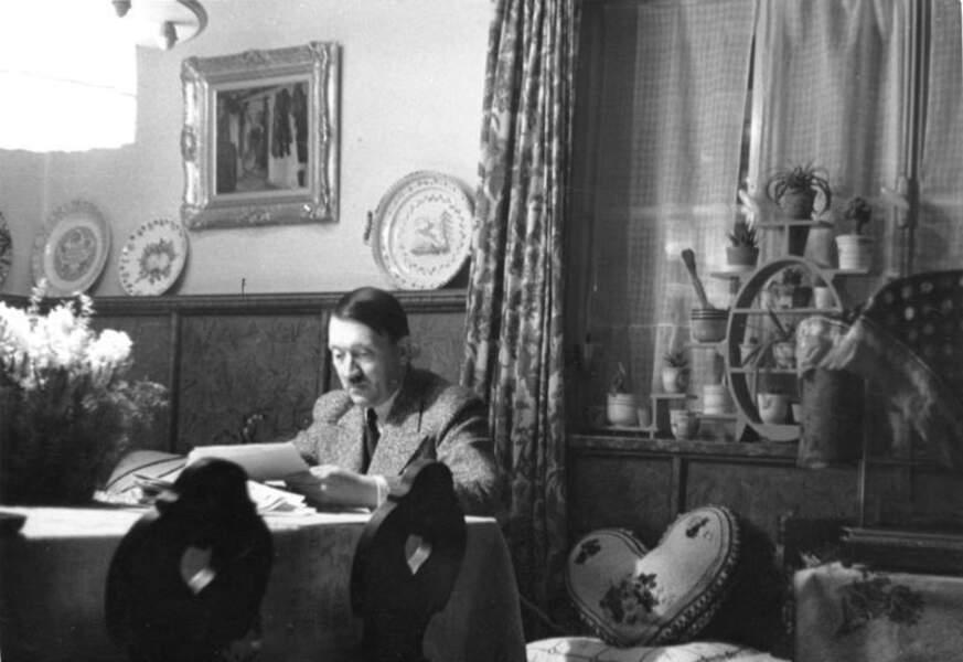 Et pendant ce temps-là, le Führer dormait...