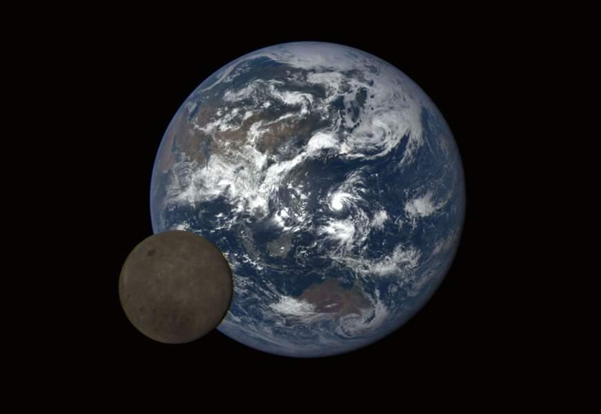 6. La Terre et la face cachée de la Lune