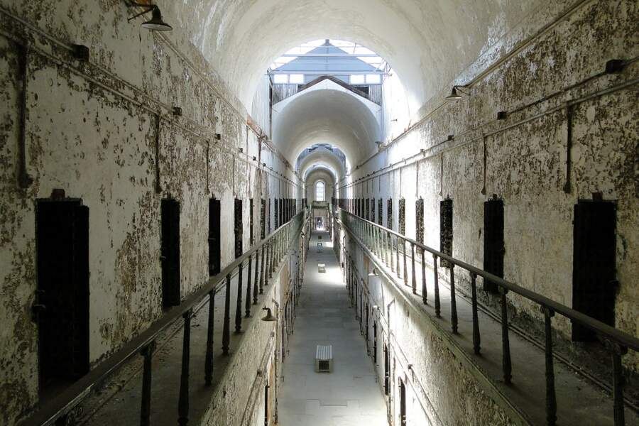 Long couloir de l'Eastern State Penitentiary