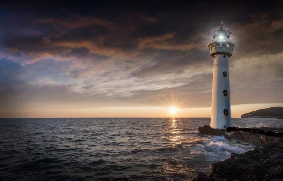 5. S'isoler en haut d'un phare