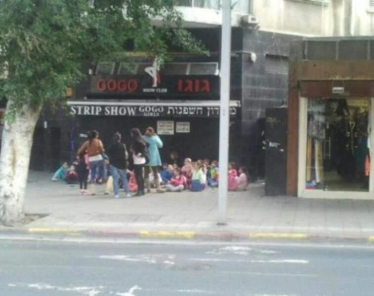 Petite pause au strip club