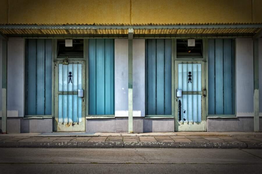 4 • Mettre en place des toilettes adaptées aux femmes