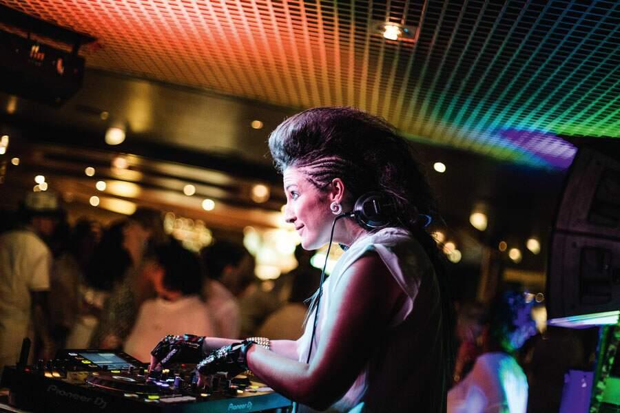 DJ Tatiana fait bouncer les meufs