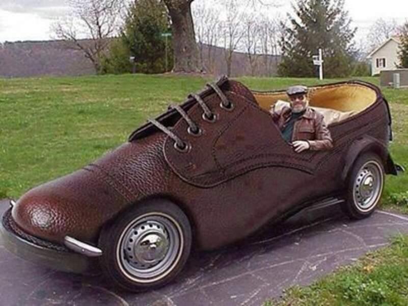 La shoemobile