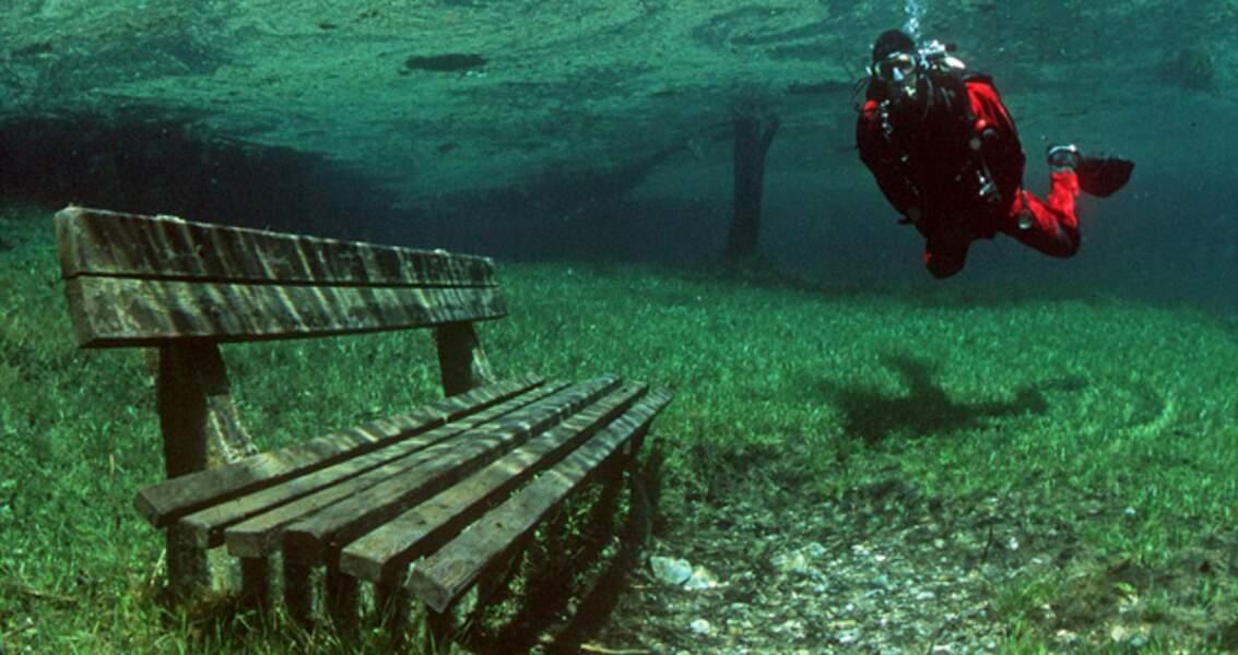 Un petit parc est inondé, chaque année, par la fonte des neiges (Autriche)