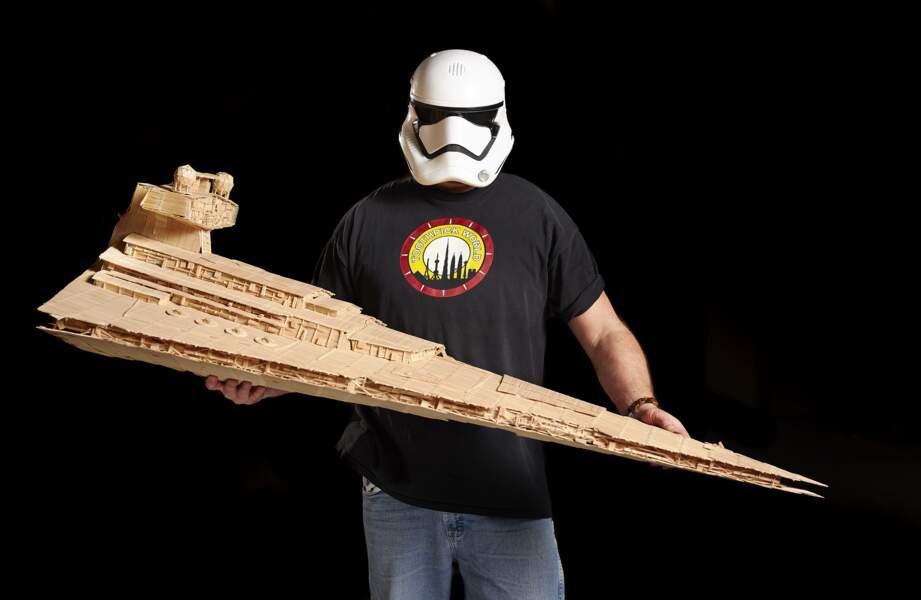La plus grande reproduction en cure-dents d'un vaisseau Star Wars