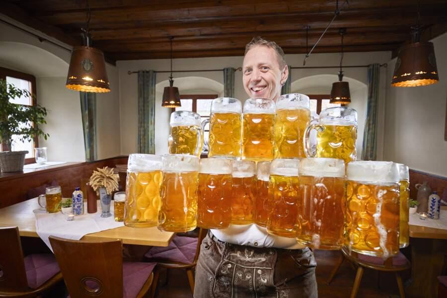 Le plus de chopes de bières transportées sur 40 m