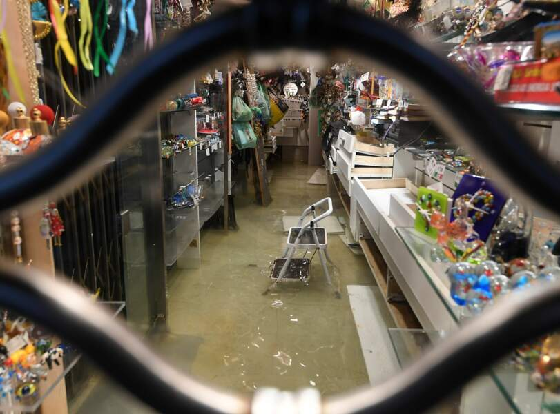 Même les magasins sont inondés