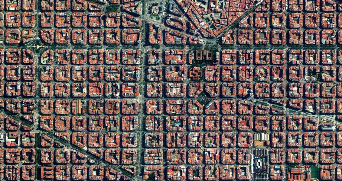 Barcelone, Espagne : la géométrie faite ville