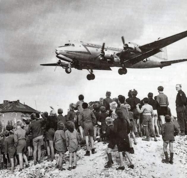 24 juin 1948 : pour les Berlinois, le salut vient du ciel