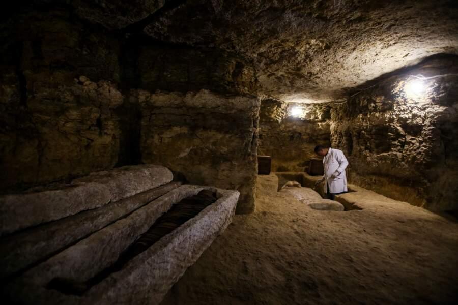 Une mission archéologique a découvert 16 tombes de prêtres égyptiens