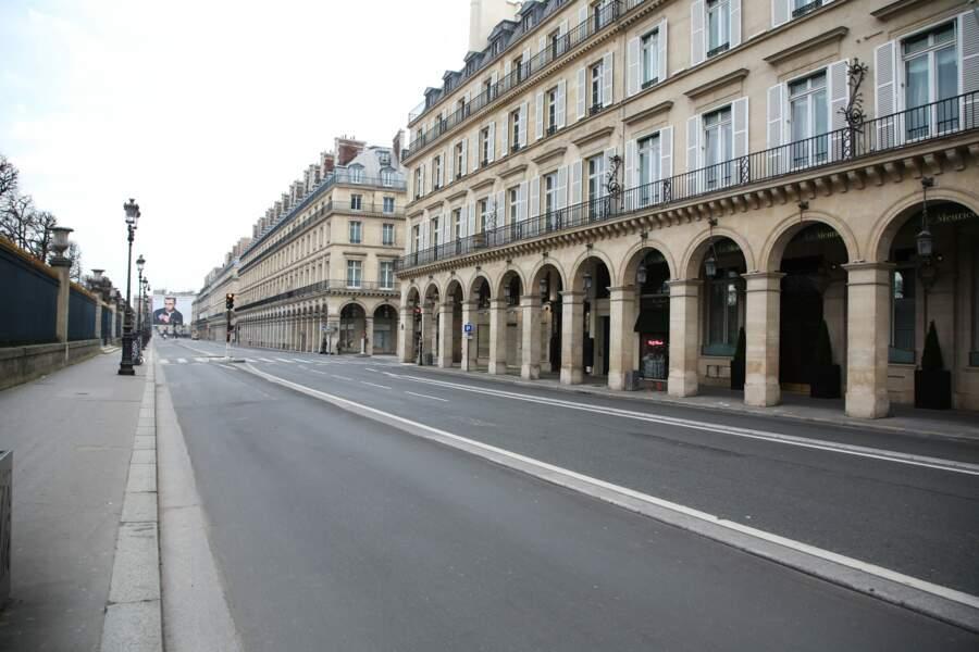 Les rues de Paris sont vides