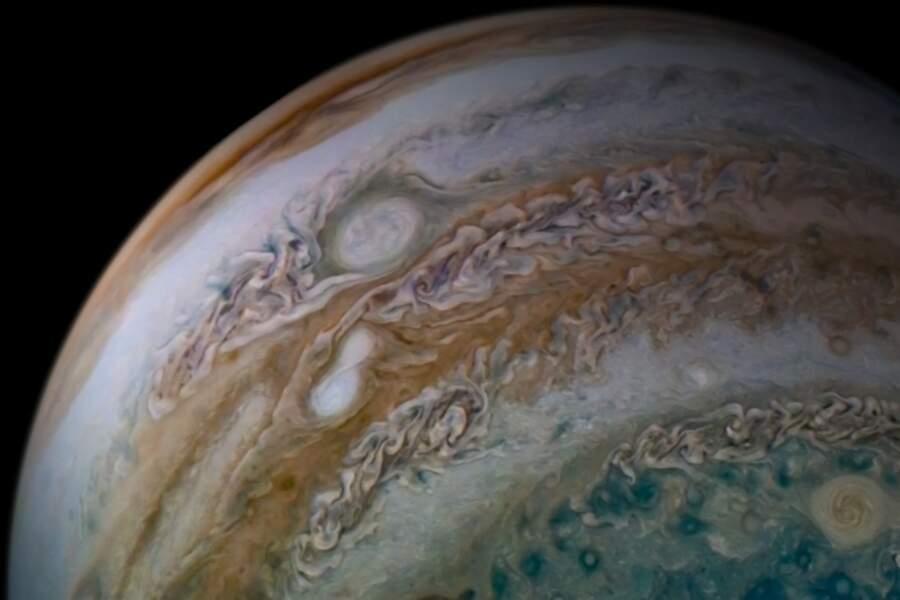 Autre face de la planète Jupiter.