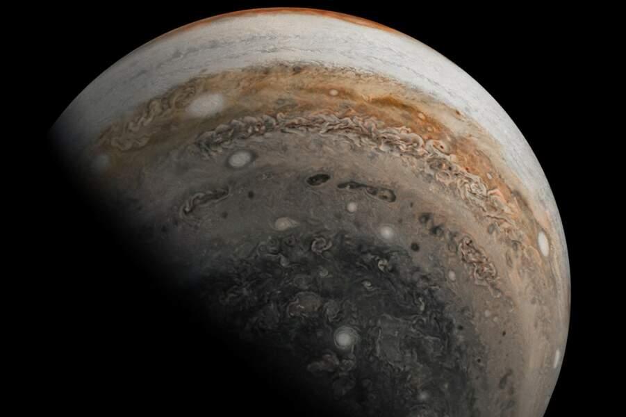 Un cliché, pris le 3 novembre 2019, de l'hémisphère sud de la planète Jupiter.