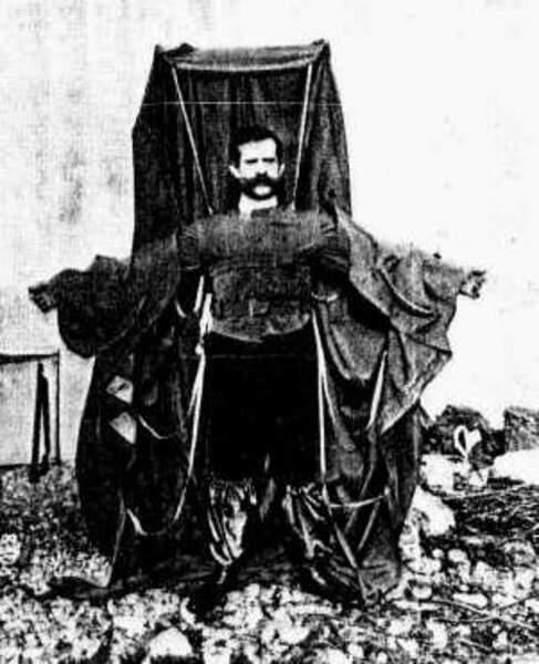 Février 1912 : écrasé par son ego