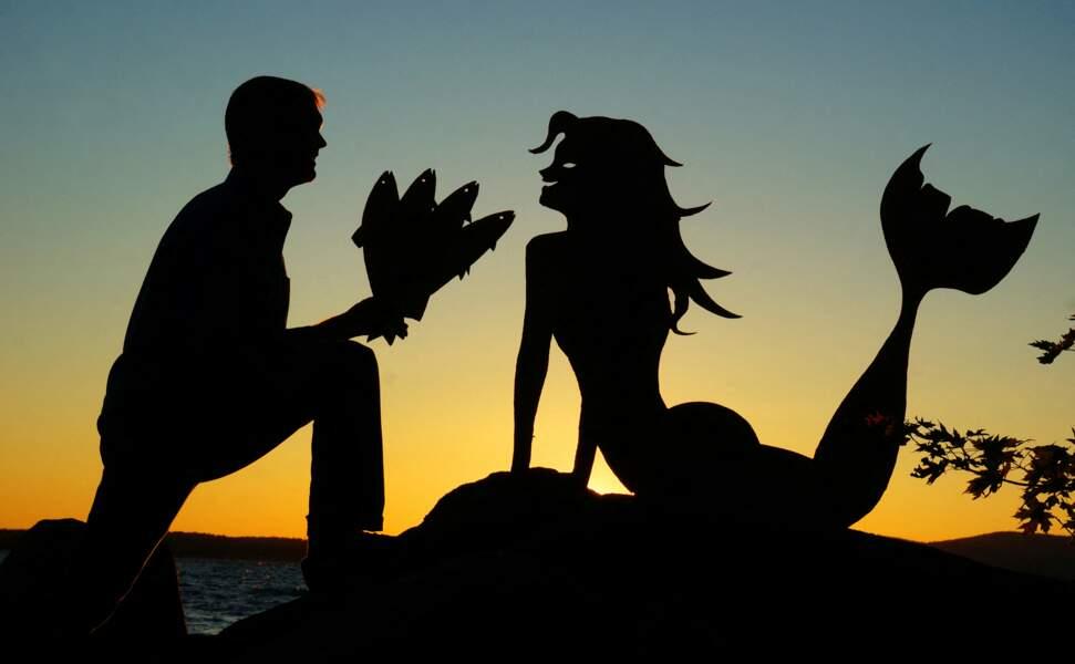 John Marshall romantique avec sa sirène