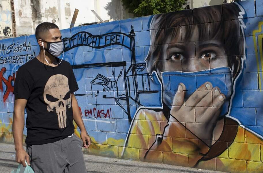 Au Brésil, les murs sensibilisent les jeunes aux bons gestes