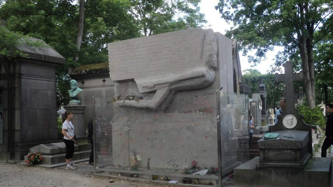 La tombe d'Oscar Wilde (Paris)