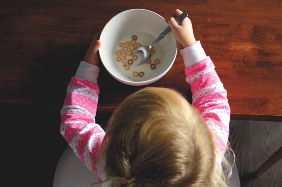 Les céréales pour les enfants sont-elles trop sucrées ?