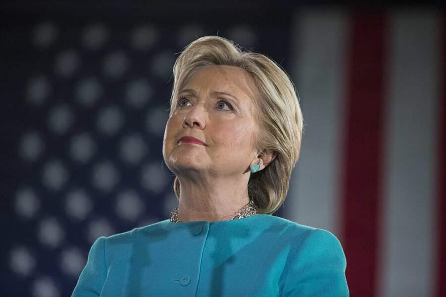 """Hillary Clinton face à la résurgence de """"l'affaire des e-mails"""""""